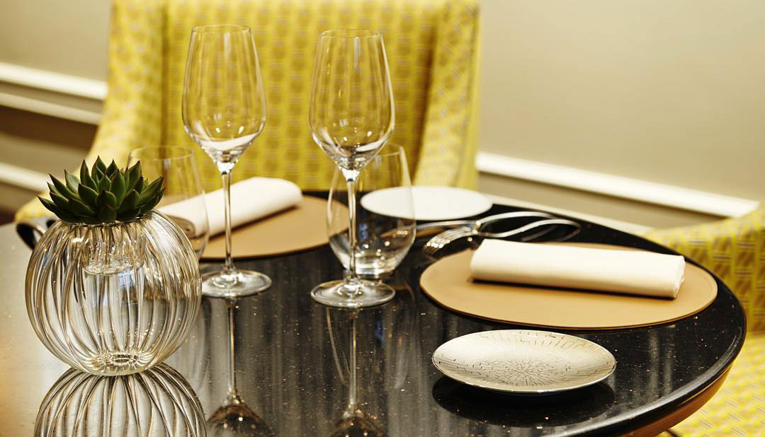 hotel-burgundy-restaurant-baudelaire-table