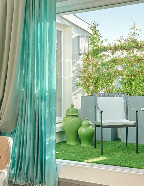 HOTEL-LE-BURGUNDY-PARIS---Appart-601---Terrasse